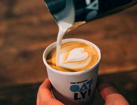 OATLY 咖啡師燕麥奶